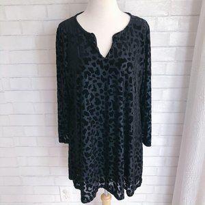 Nally & Millie Black Animal Print Velvet Tunic XL